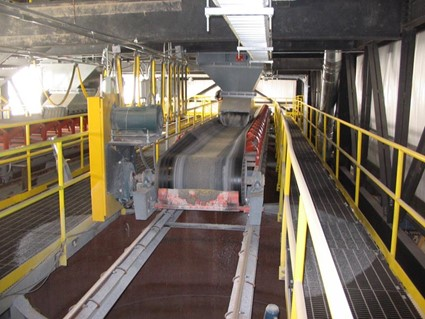 Shuttle Conveyors to Feed Silos